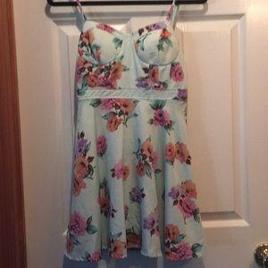 Forever21 mini dress great flower print